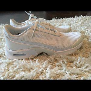 Nike Shoes - Nike Air